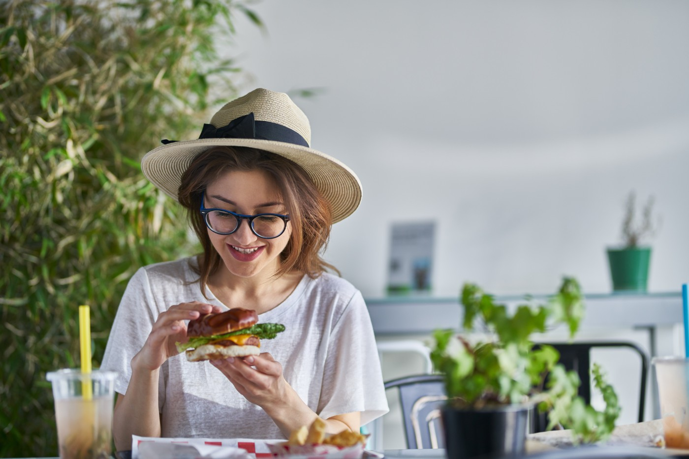 https://tickertapecdn.tdameritrade.com/assets/images/pages/md/Eating a veggie burger- Beyond Meat Earnings