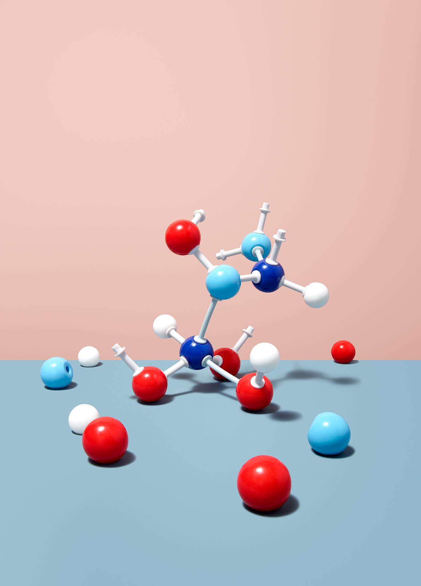 https://tickertapecdn.tdameritrade.com/assets/images/pages/md/Model of molecules being assembled