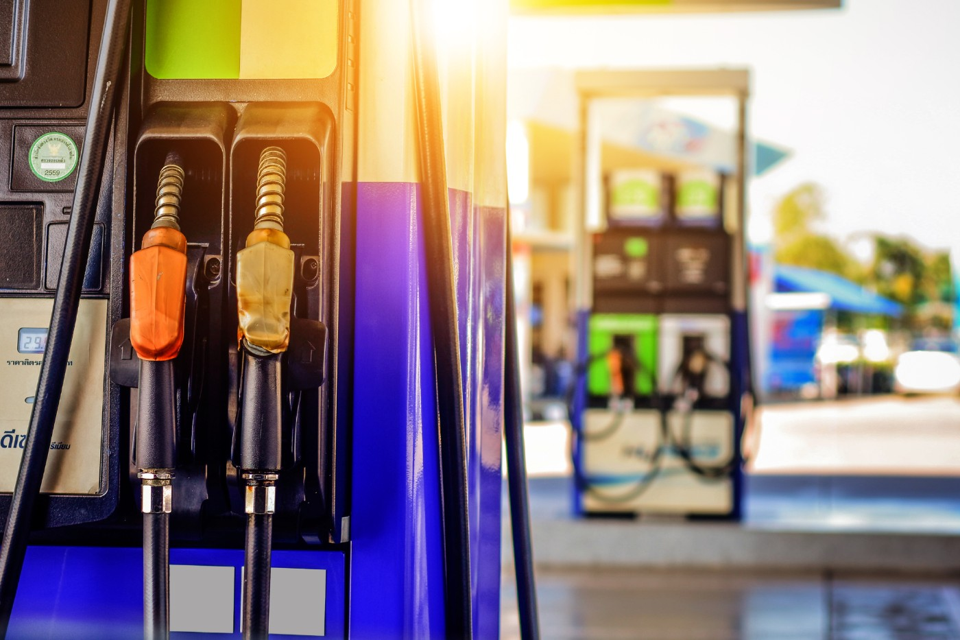 https://tickertapecdn.tdameritrade.com/assets/images/pages/md/Gas pumps: energy sector preview