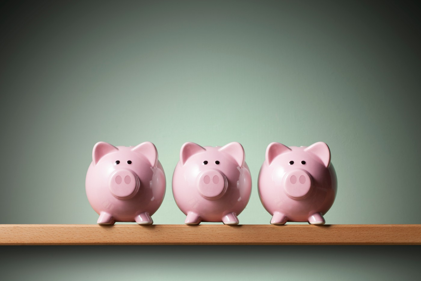 https://tickertapecdn.tdameritrade.com/assets/images/pages/md/Extra cash? 5 financially savvy ways to spend it