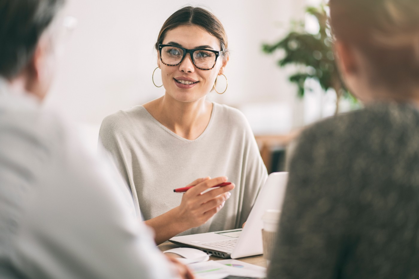 https://tickertapecdn.tdameritrade.com/assets/images/pages/md/Financial advisor: When to consider hiring one