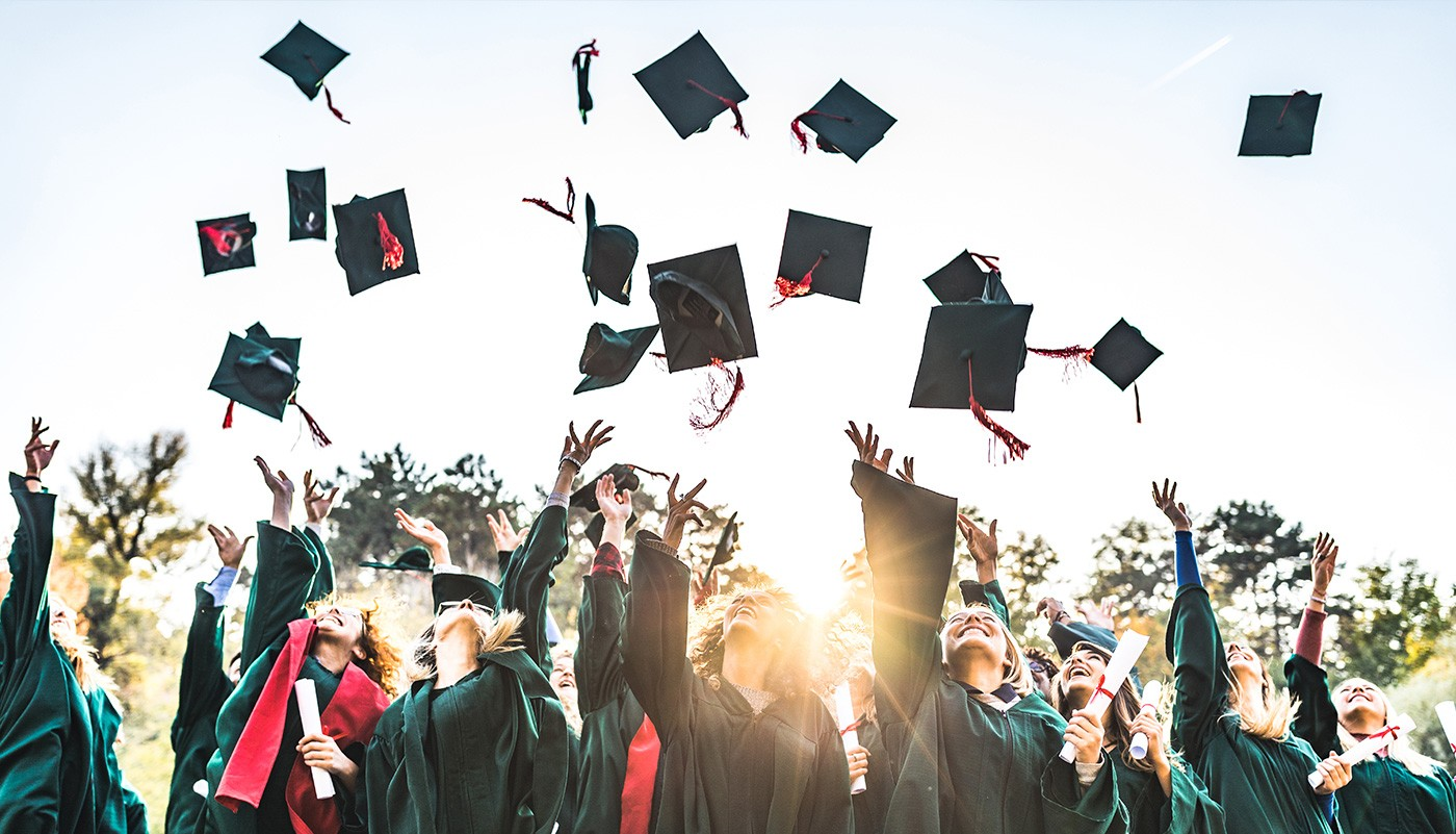 https://tickertapecdn.tdameritrade.com/assets/images/pages/md/Finally in the office: Investing advice you can give to the recent college graduates in your life