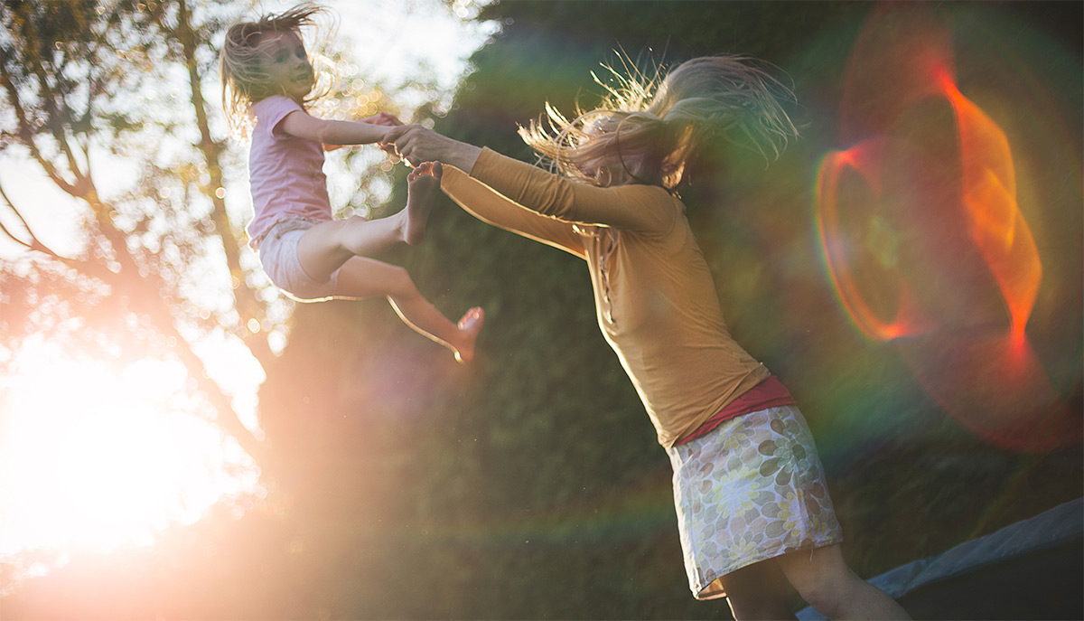 https://tickertapecdn.tdameritrade.com/assets/images/pages/md/Bouncing on trampoline: Investing market rebound