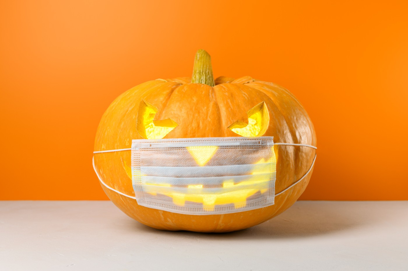 https://tickertapecdn.tdameritrade.com/assets/images/pages/md/Mask o lantern 2020: FAANG earnings