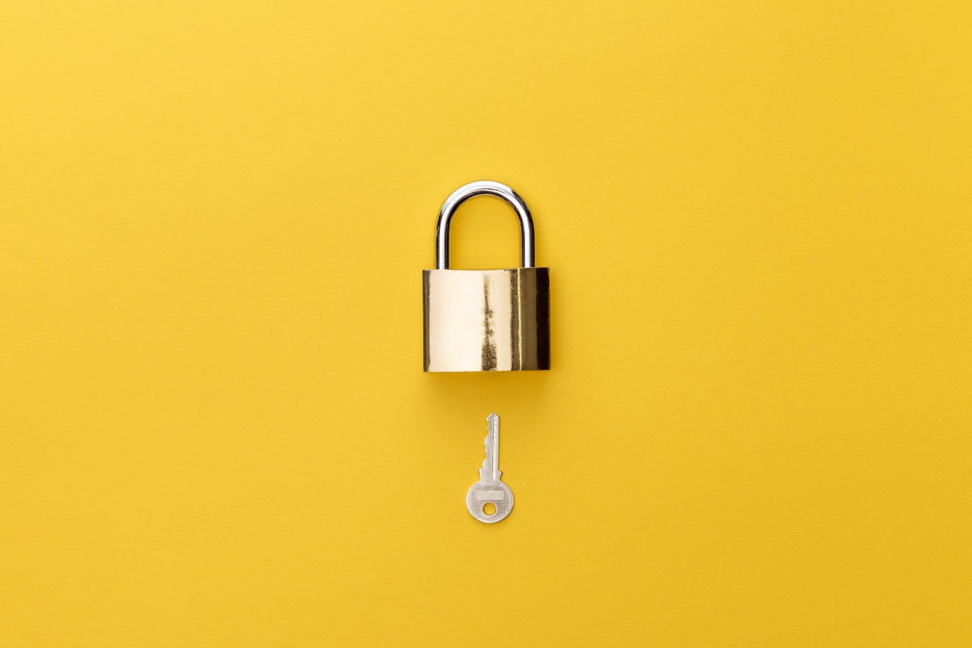 https://tickertapecdn.tdameritrade.com/assets/images/pages/md/Lock and key: initial public offering and lockup restrictions