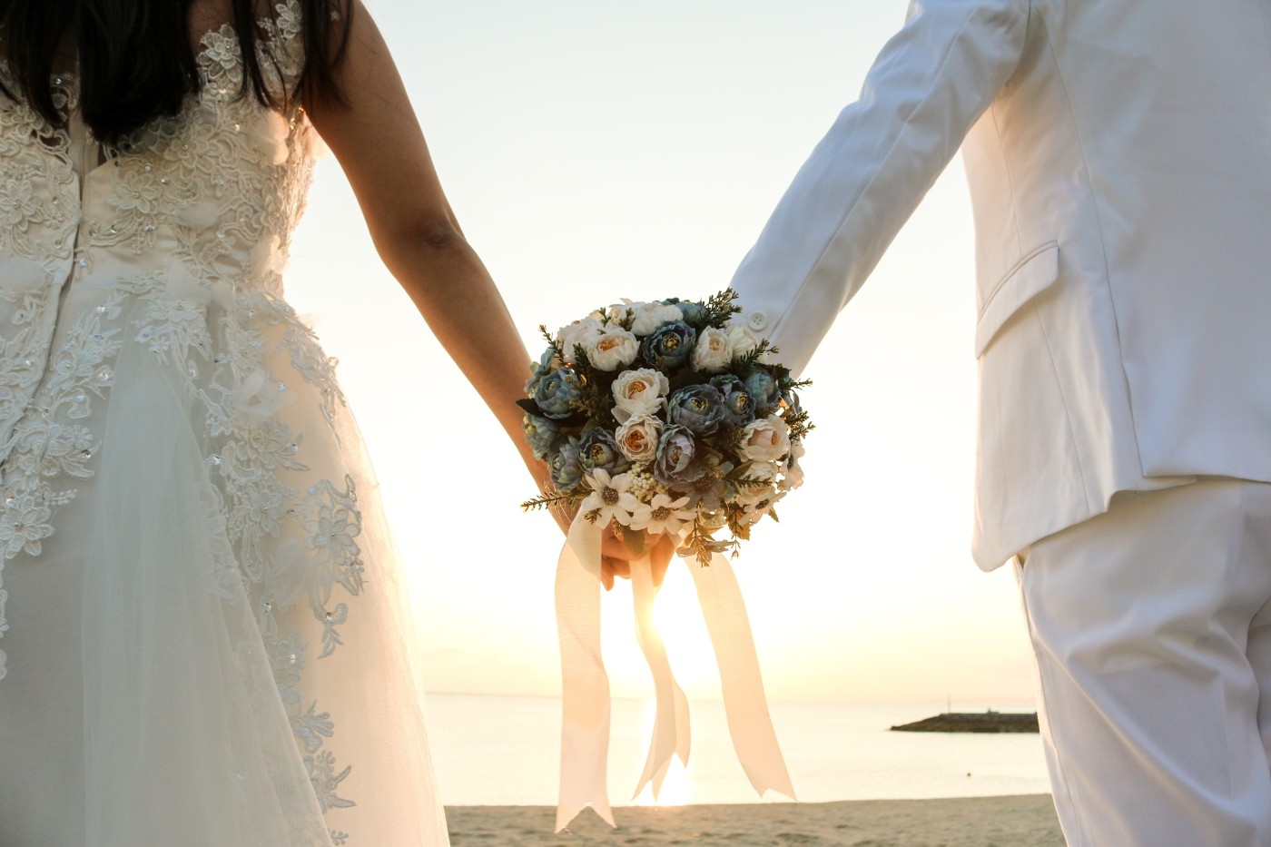 https://tickertapecdn.tdameritrade.com/assets/images/pages/md/Getting married? Manage your finances