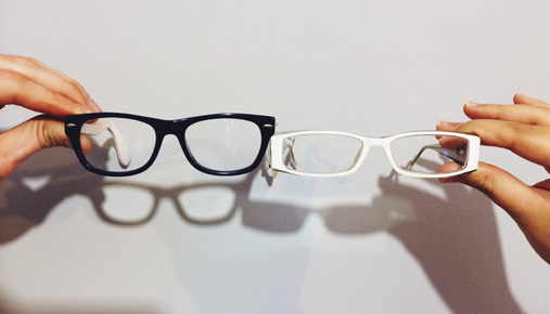 https://tickertapecdn.tdameritrade.com/assets/images/pages/md/Four eyes or eight: Put/call ratios, what they mean, and what they miss