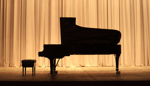 https://tickertapecdn.tdameritrade.com/assets/images/pages/md/Grand piano: Practice trading to hone skills