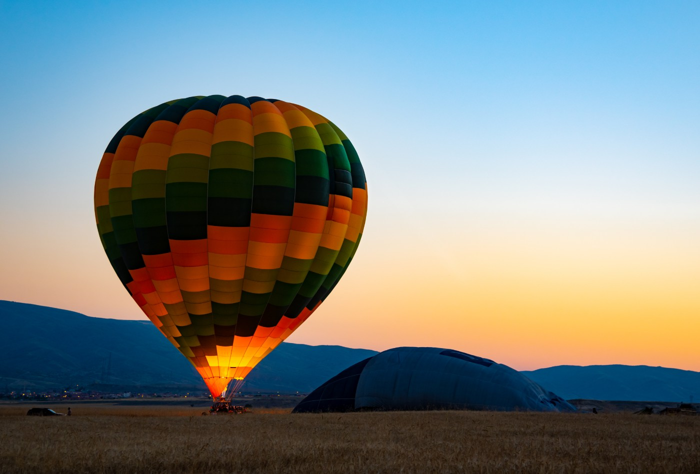 https://tickertapecdn.tdameritrade.com/assets/images/pages/md/Hot air balloon: Protect your portfolio from inflation