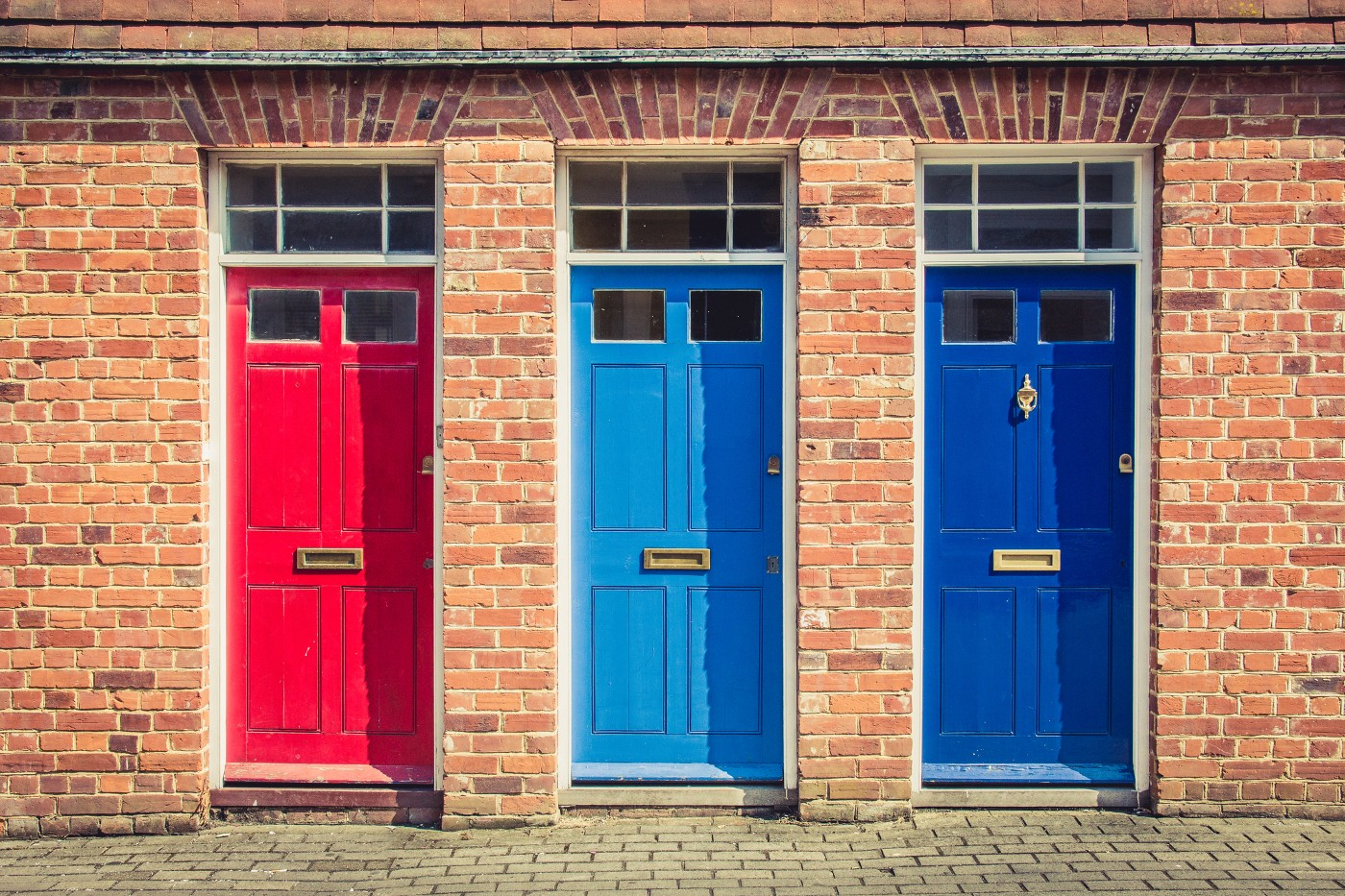 https://tickertapecdn.tdameritrade.com/assets/images/pages/md/Three doors on a brick building: Options trading strategies