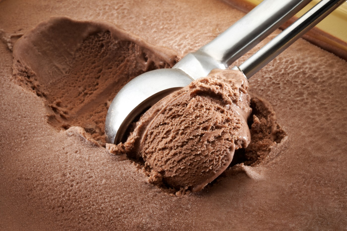 https://tickertapecdn.tdameritrade.com/assets/images/pages/md/Scooping chocolate ice cream: Diversify sources