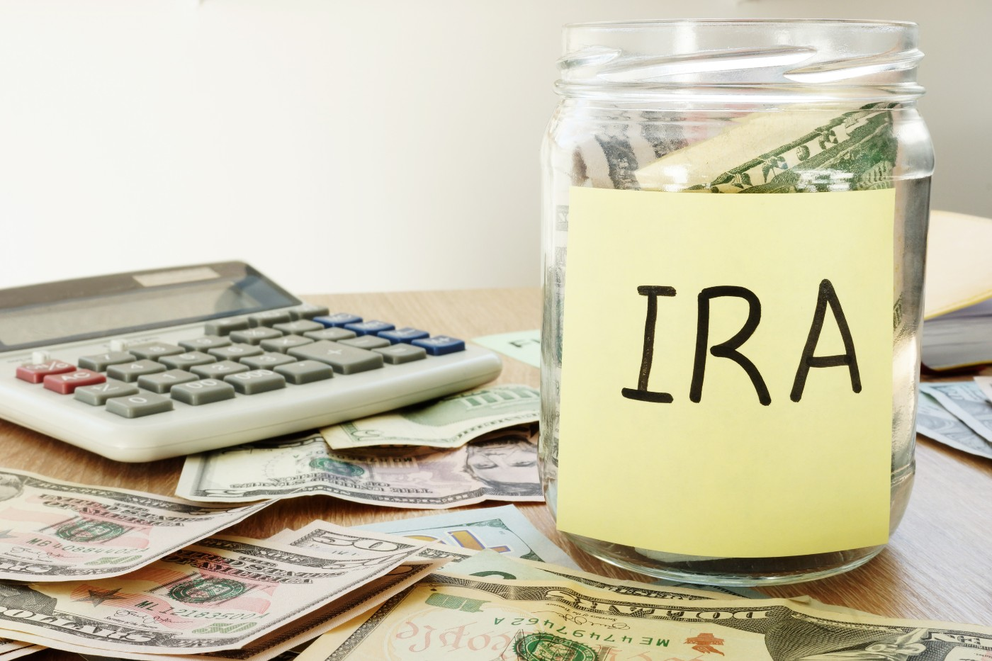 https://tickertapecdn.tdameritrade.com/assets/images/pages/md/Roth IRA contribution limits, income limits