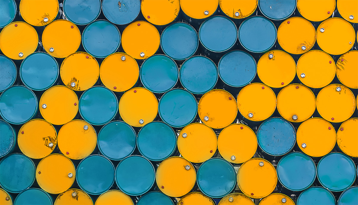 https://tickertapecdn.tdameritrade.com/assets/images/pages/md/Oil barrels: Differences between WTI and Brent crude